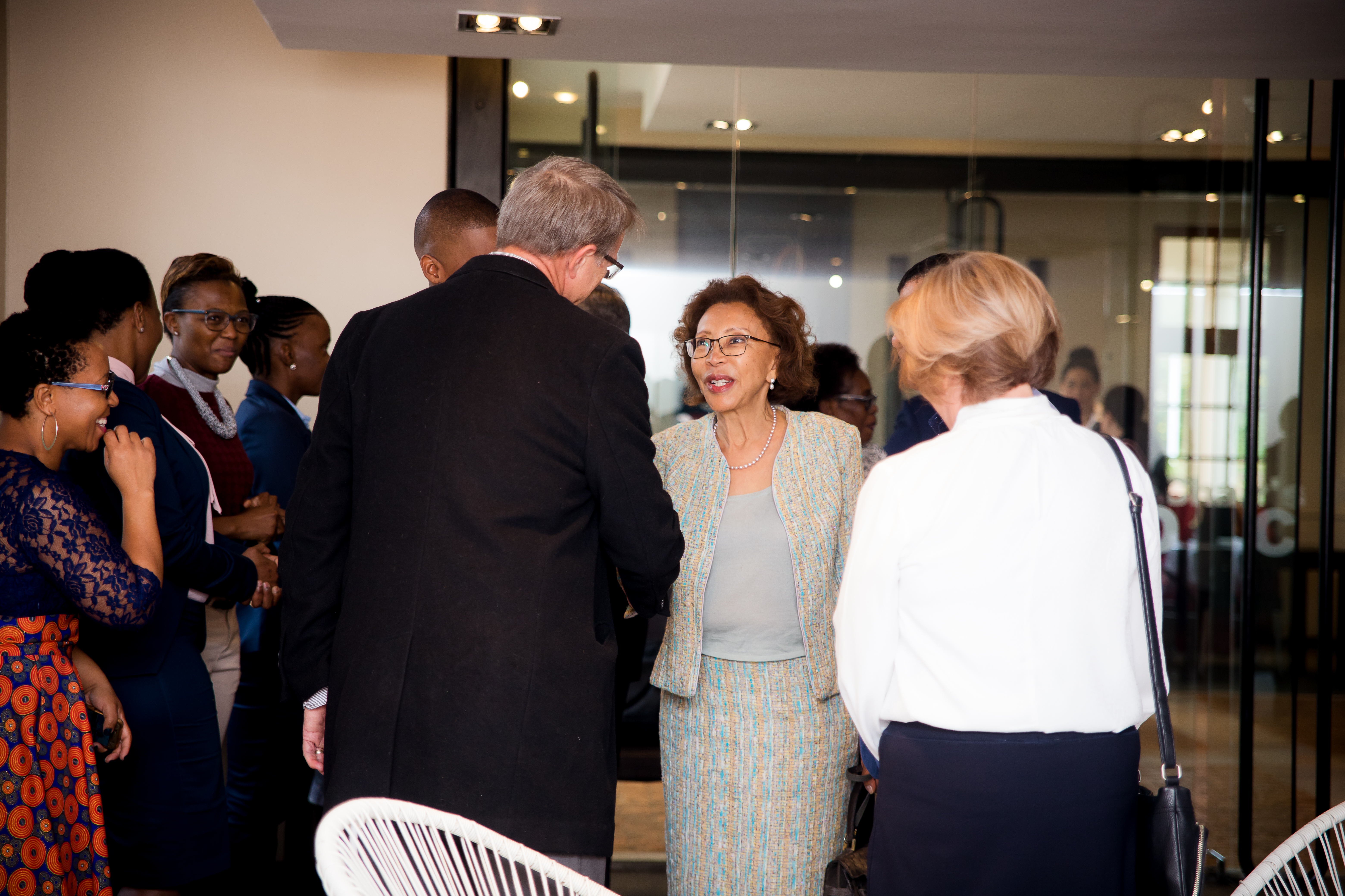 Dr Tshepo Motsepe introduced to UFS staff members