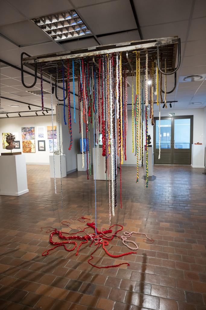 JACOBETH SELINGA, Linda, Installation: Found bed, wool and thread, 257 x 196 x 91 cm