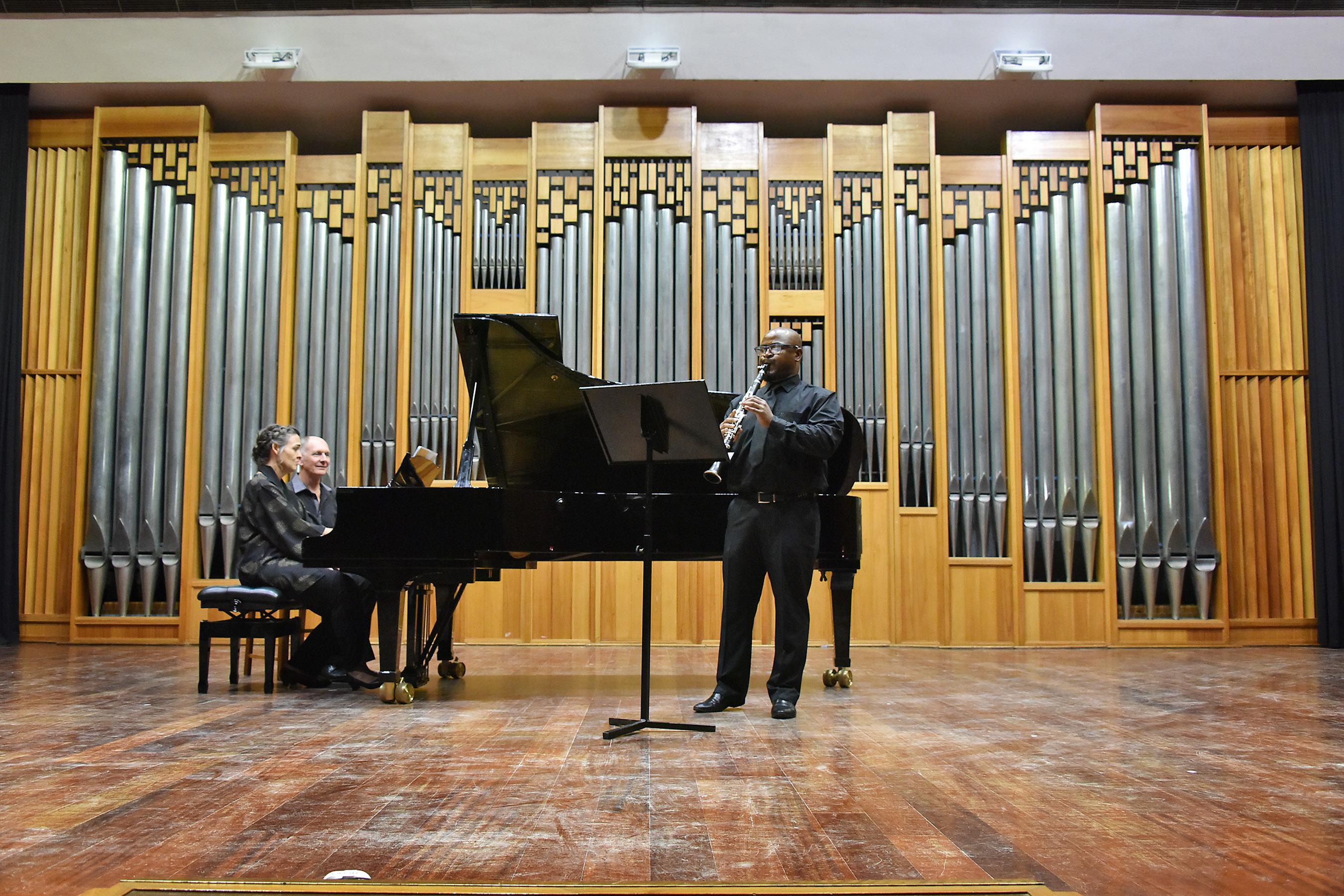 Naledi Dweba ( clarinet) and Anneke Lamont