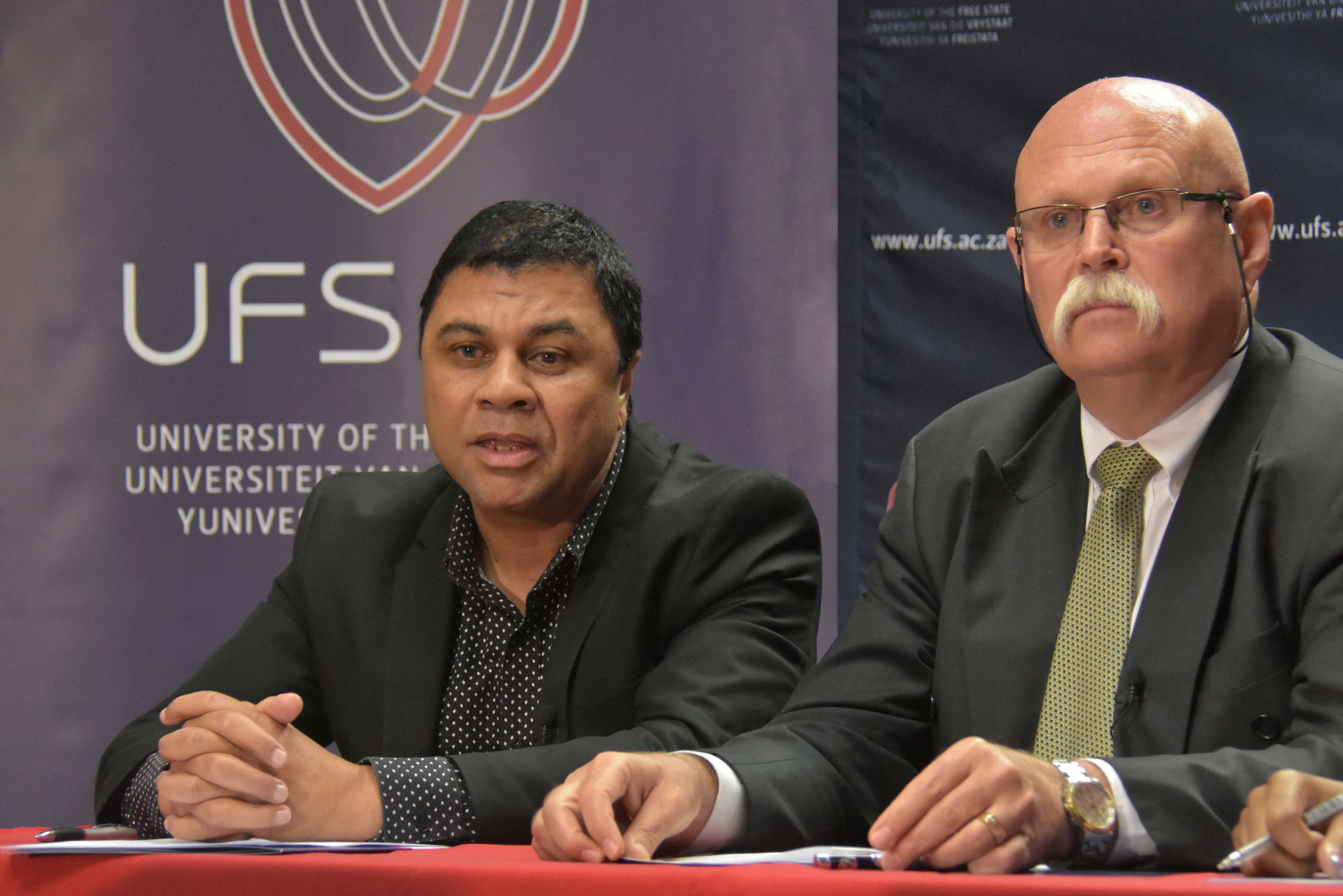 Prof Francis Petersen (left), UFS Rector and Vice-Chancellor; and Mr Willem Louw, Chairperson of the UFS Council.