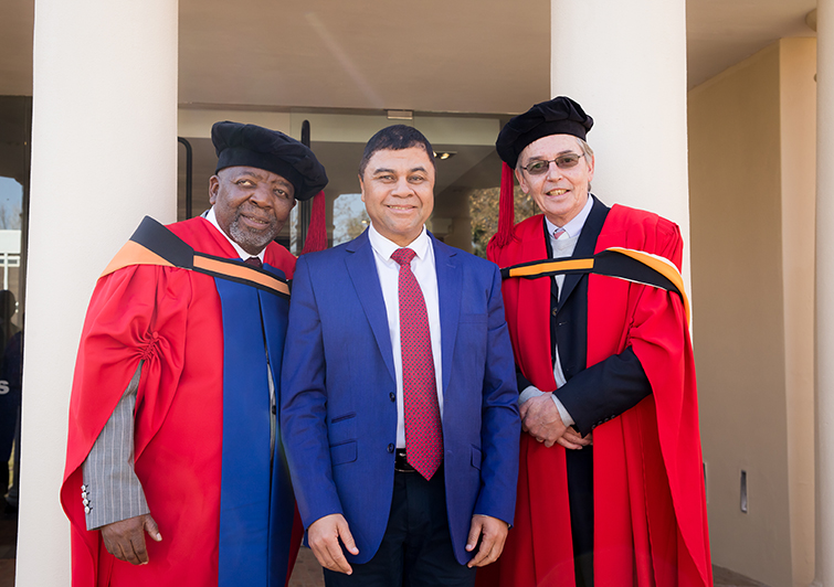 Jerry Mofokeng, Prof Francis Petersen and Prof Nico Luwes