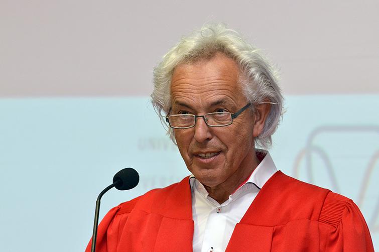 Prof Chris Hermans