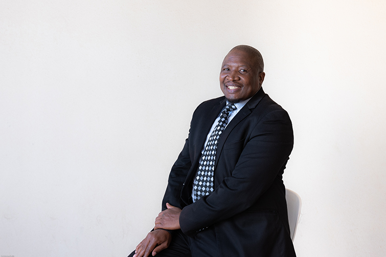 Mr Nikile Ntsababa