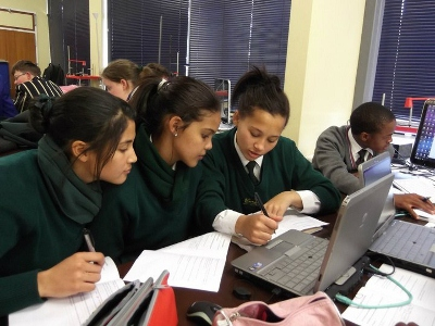 Description: SANRAL Learners during ICT Laboratory sessions Tags: UFS, Education, SANRAL, ICT Laboratory, learners, experiments